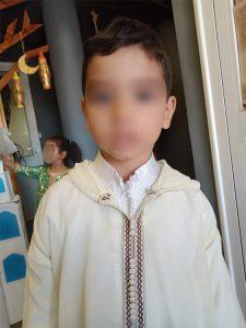 Jeune garçon en djellaba