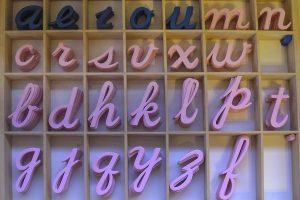 Les lettres rugueuses, pour apprendre à lire